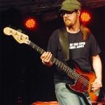 Fredrik Lindström - Bas