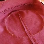 Leliana cosplay - Ärmdetaljen syddes fast från insidan.