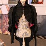 Sannas svinsnygga Eliza Casan-cosplay som de inte fått in i en monter ännu